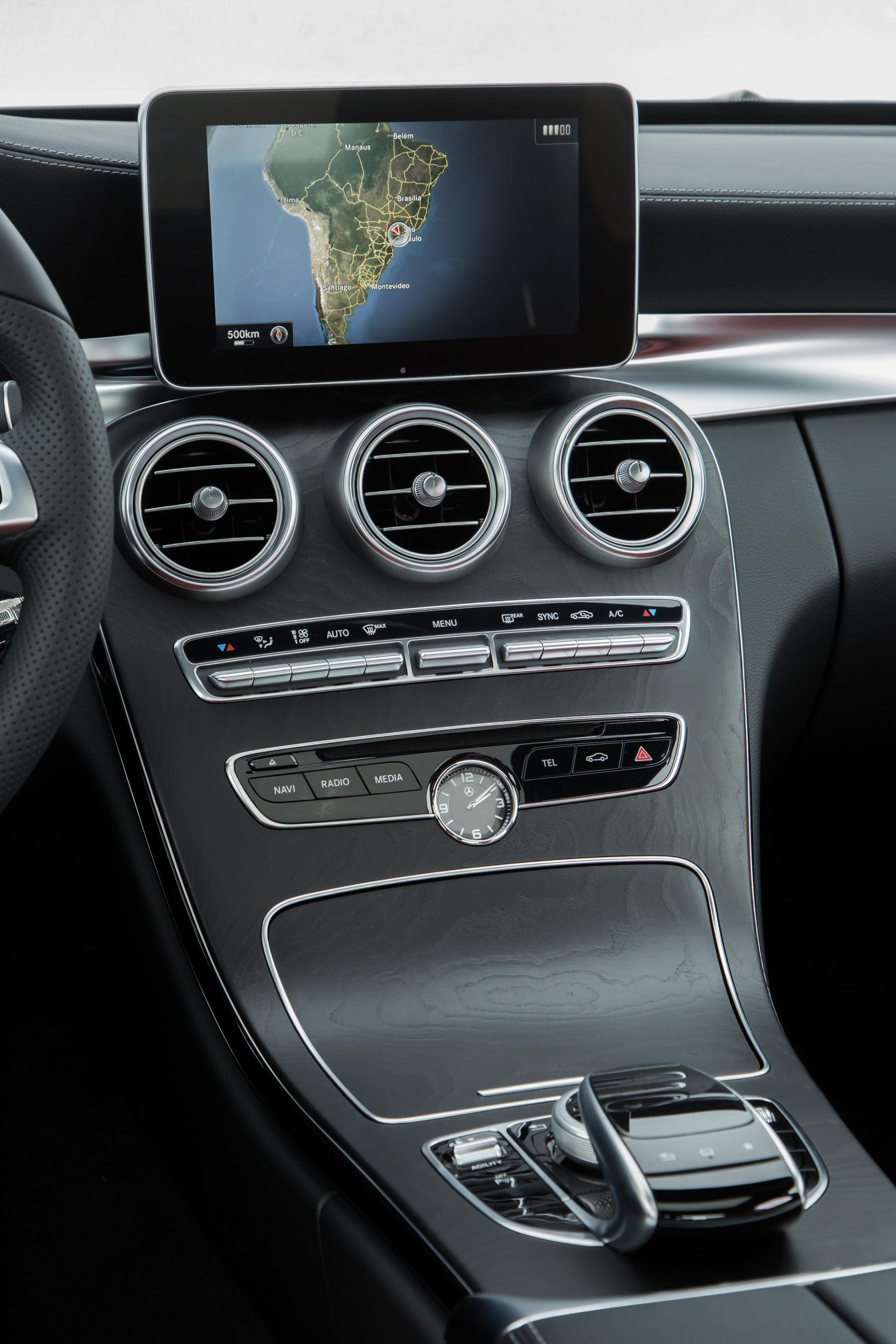Imprensa Mercedes Benz